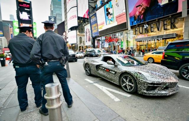 Nouvelle Corvette, star à Time Square