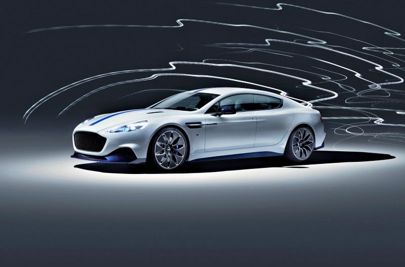 Aston Martin Rapide E sous tension