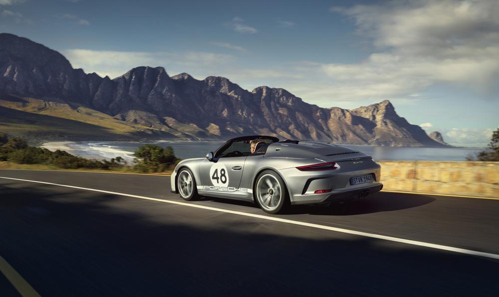Le 911 Speedster est très identifiable à son bossage arrière