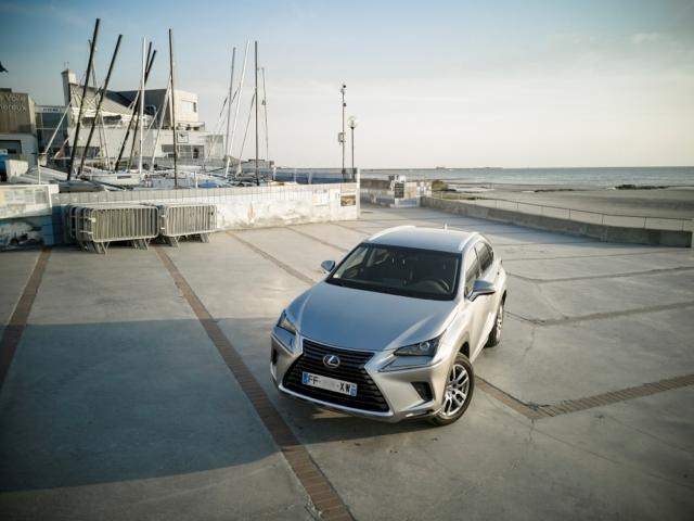 École de voile de Wimereux, du vent pour de l'électricité verte - Lexus NX300H, Premium hybridus