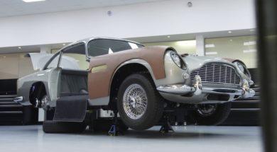 Aston Martin DB5 Goldfinger, gadgets de série