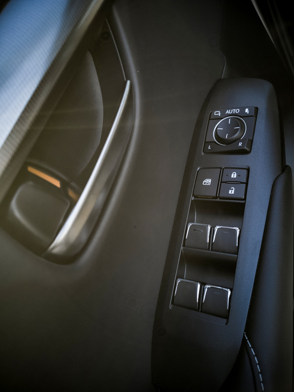 Détail porte conducteur - Lexus NX300H, Premium hybridus
