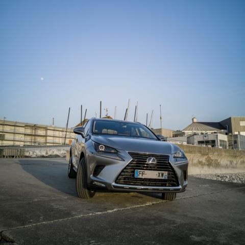 Face avant - Lexus NX300H, Premium hybridus