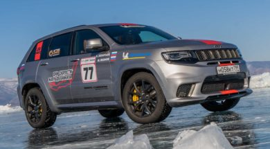 Jeep Grand Cherokee Trackhawk, SUV on ice